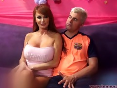 nympho taylor wane fingers her dark hole during