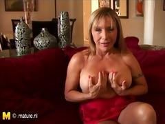 american old cougar mama playing with herself