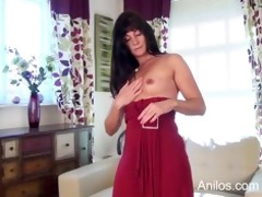 st time porn mamma copulates her needy pussy
