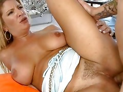 milf is an amazing pounder sucker