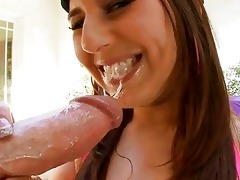 lovely d like to fuck gives juicy oral stimulation