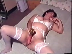 unattractive hoe sucks and bonks dildos in sofa