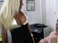 blond bitch mommy bonks her boss