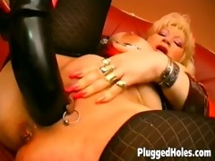 breasty mother i dildoing her pierced cum-hole