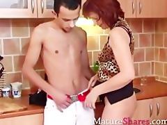 hawt housewife with latin boy