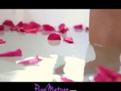puremature french hawt mama seduced in rose petal