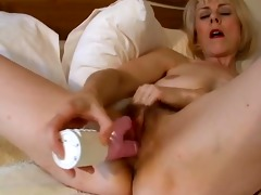 hawt british mother i wakes up and toys her slit !