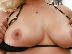 older chick gives wild oral job sex