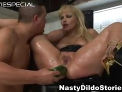 older d like to fuck acquires dark hole drilled
