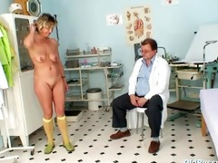 vanda has her lustful aged wet crack opened by