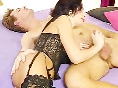 unshaved cougar gets fully serviced