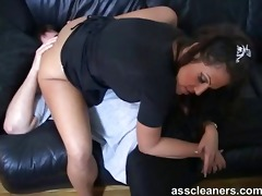 dominant-bitch is surprised by the guy who licks