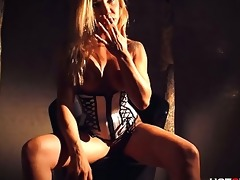 milf t live without champagne and squirting