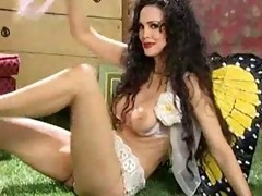 julie strain: hawt hot mother i