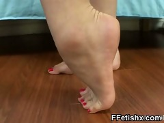 gore foot fetish sex for charming girl