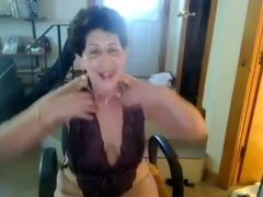 old gazoo whore enjoys singing on livecam -