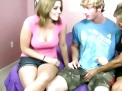 legal age teenager and d like to fuck tug pecker