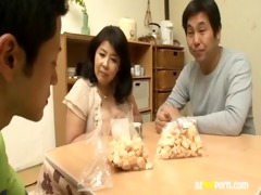 azhotporn.com - japanese older woman porn clip