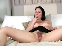hawt mother id like to fuck amber spreads her legs