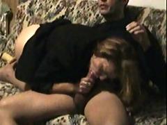 moglie sul divano 7