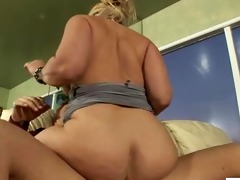 excited cougar dee siren screwed hard
