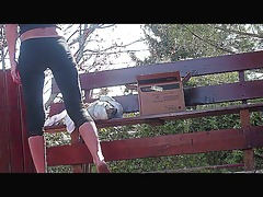 sexy leggins a-hole doing her stuff