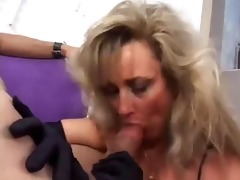 sexy smokin oral-stimulation