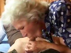granny sucks weenie
