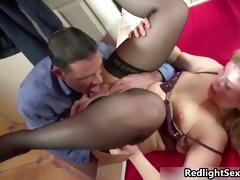 thick d like to fuck prostitute receives her muff
