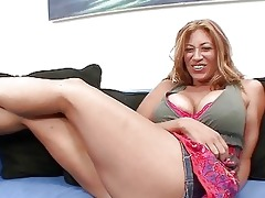 hawt breasty momma with big a-hole does a