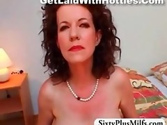 mother i with saggy mambos shows off her