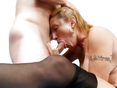 older cougar engulfing inflexible youthful rod