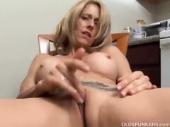 hawt mother i has a soaked vagina