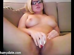 breasty d like to fuck masturbates with toys