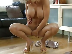 carnal golden-haired momma with large pointer